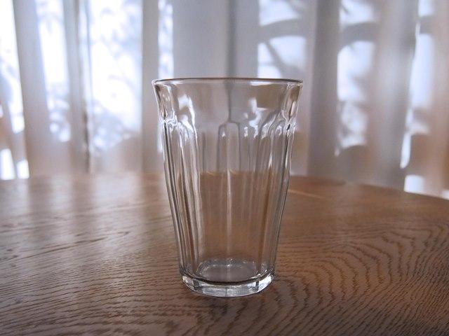 デュラレックスのグラスは新婚のときにF.O.B COOPで買ったもので、もうすぐ15年。ほんとに丈夫なのね!