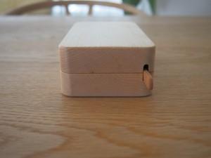 付属のバターナイフはすっぽりと収納が可能。使い心地もよい。